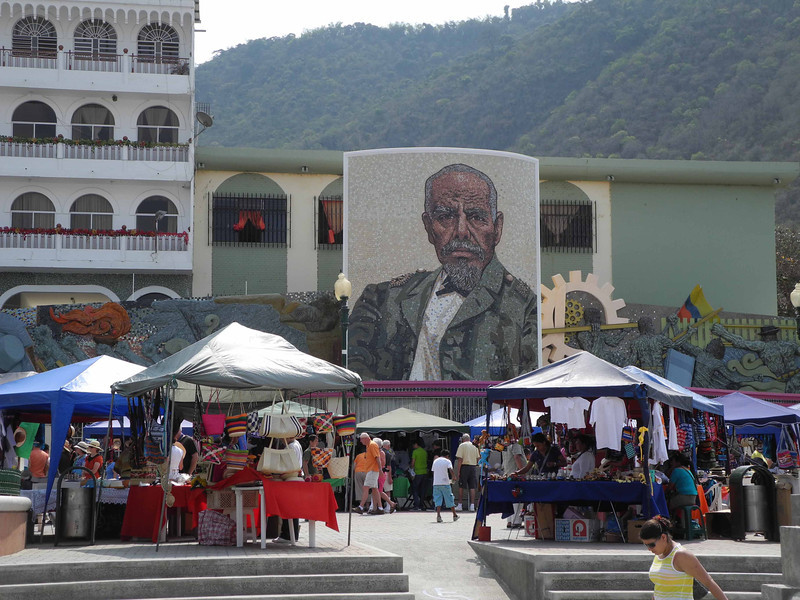 46 Montecristi market