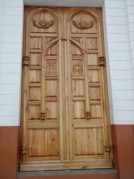 48 Beautiful Montecristi church wooden door