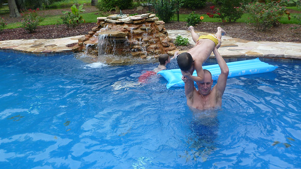2014 - 07 - HHI - Pool Time