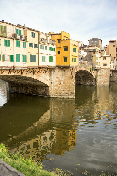 Houses along the Arno river