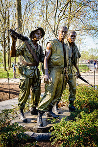Vietnam War Memorial: Three Servicemen statue