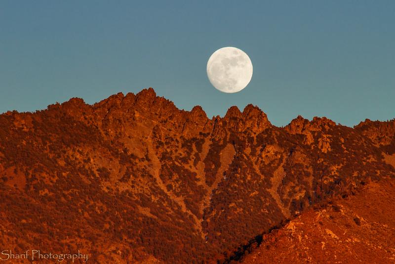 Moon rise during sun set