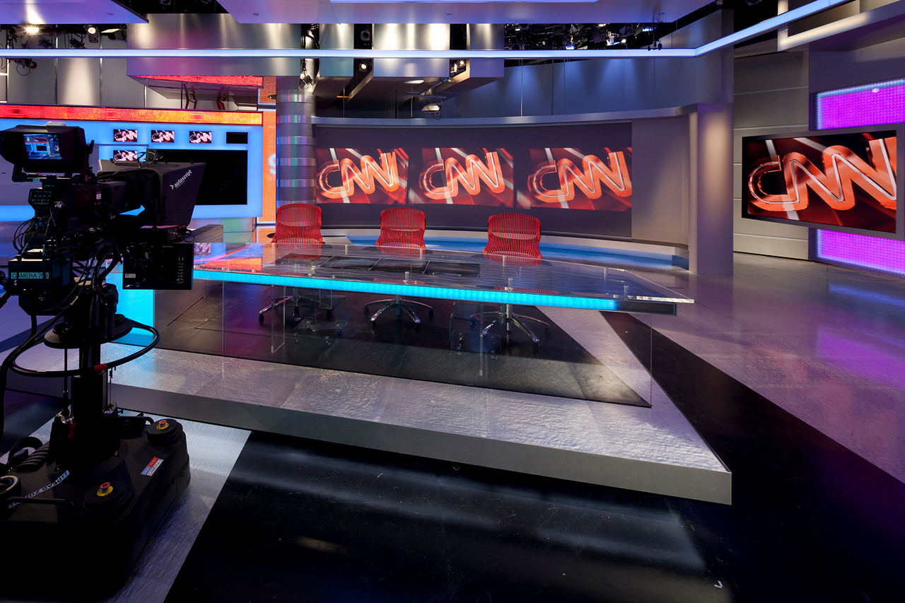 CNN NEWSROOM/CONTROL ROOM