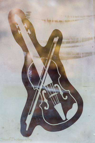 Fiddletown logo.