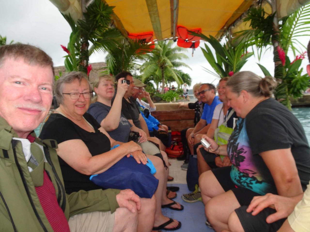 944 Patrick's boat tour at Bora Bora