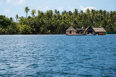 Nice Tahitian house with great water access