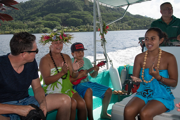 The on boat entertainment; Brett wanted to join in but didn't have his guitar