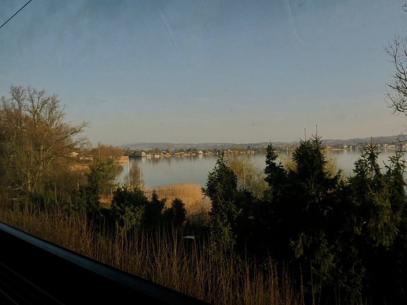 2017-03-27  Lake Zurichsee, view from train ride