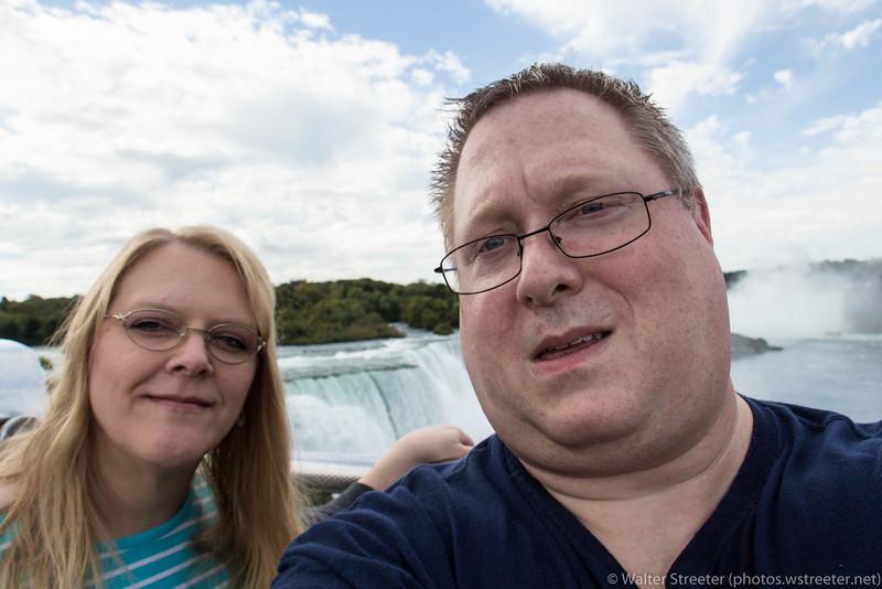 Niagara Falls DSLR Selfie