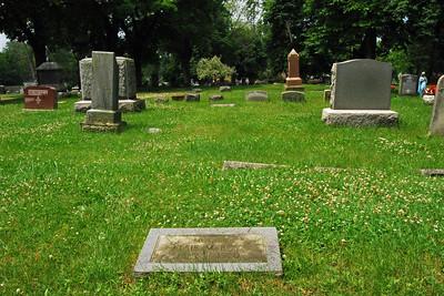 007 My Grandmother's grave in Pontiac Michigan Cemetery