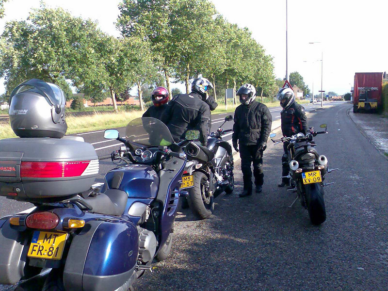 Chevonne, me, Evert and Kyung.  Bikes : Triumph Trophy (Anthony), B-king (me rented), Triumph Street Triple (Evert)