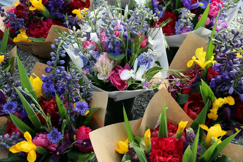Flowers/fruit at the Redmond, Washington green market
