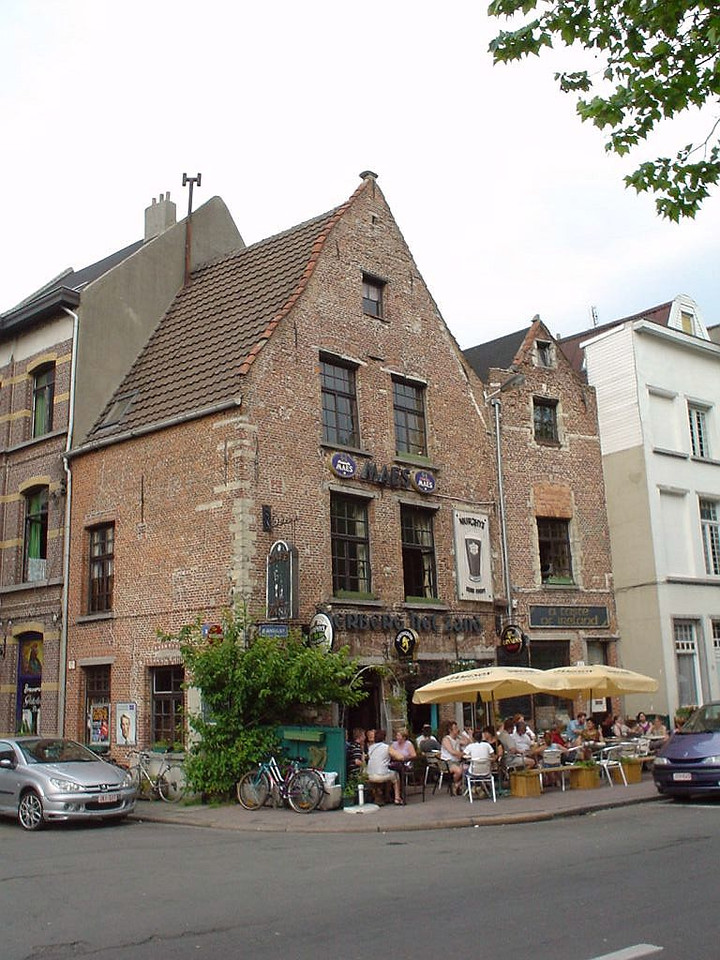Irish pub near the Schelde river