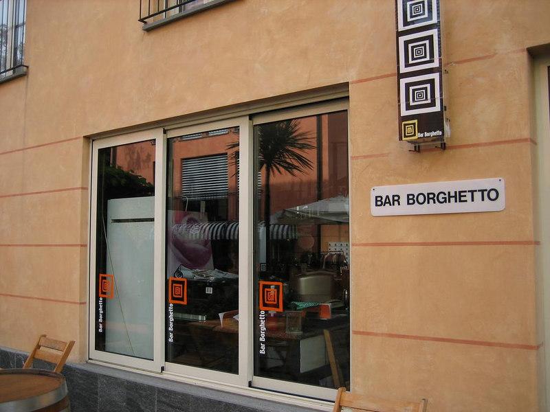 Trendy longe bar in ascona