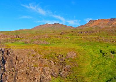 Skarðið yfir í Njarðvík úr Stapavík