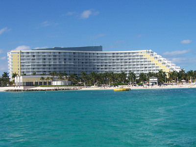 They built the hotel to sort of look like a cruise ship, pretty cool, huh?