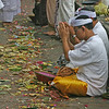 "Prayers at the temple at <a href=""http://en.wikipedia.org/wiki/Klungkung_Palace"">Klungkung Palace</a>"