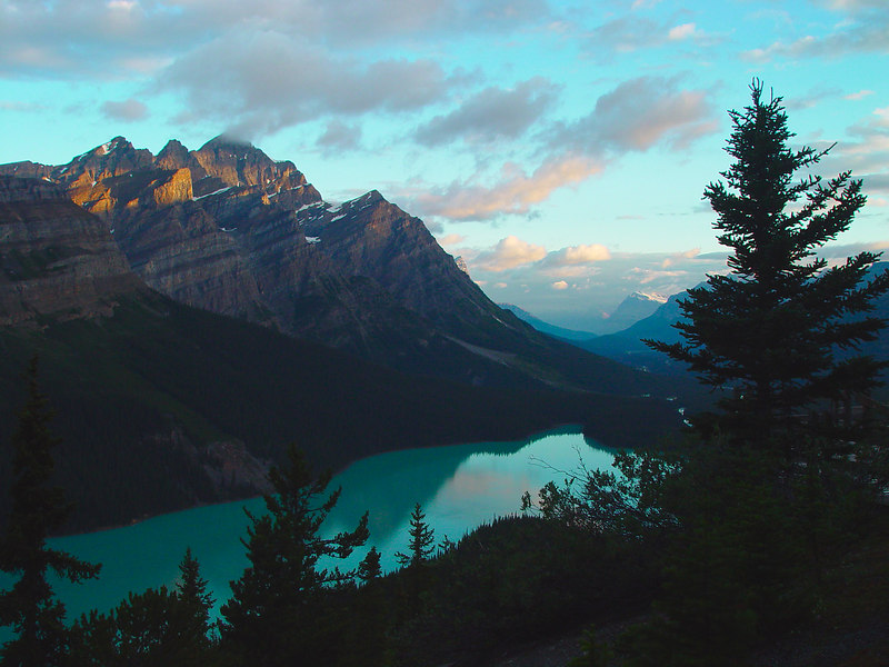 Peyto Lake at sunrise