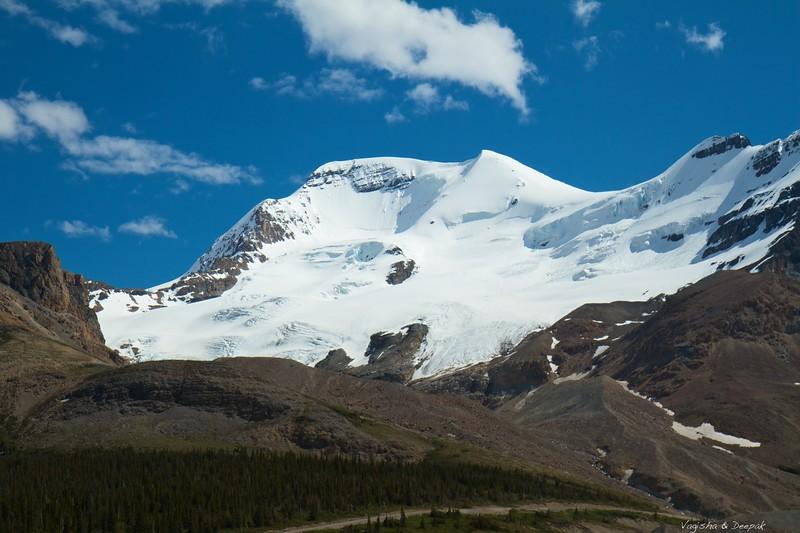 IMAGE: http://photos.deepaksingh.net/Vacation/banff2012/i-B342Tmt/0/L/Mt-L.jpg