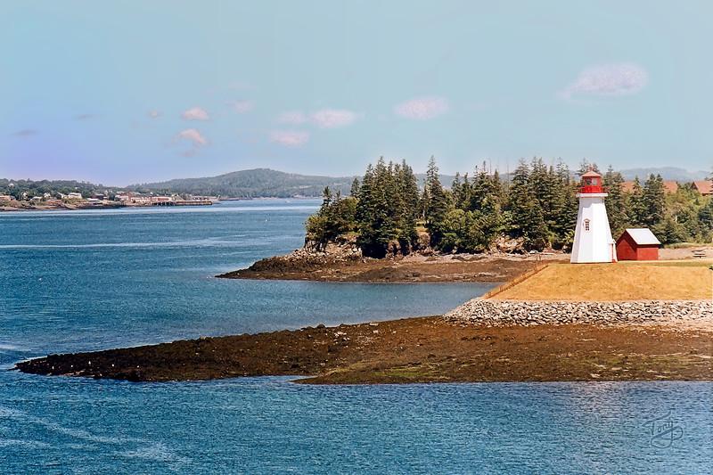 Mulholland Point Lighthouse, as seen from the F.D. Roosevelt Memorial International Bridge