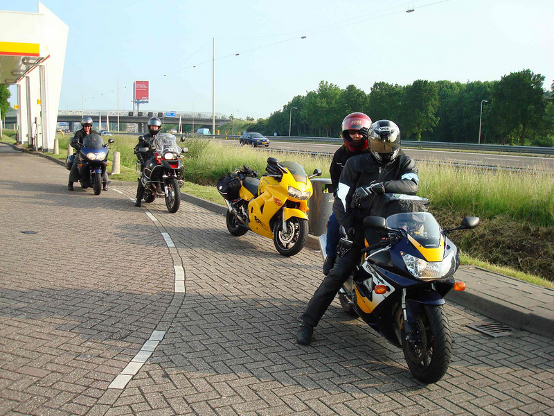 Anthony (Triumph Trophy), Gilles (BMW GS1200 Adventure), George (VFR800,taking this pic), Chevonne and me on the Blade.