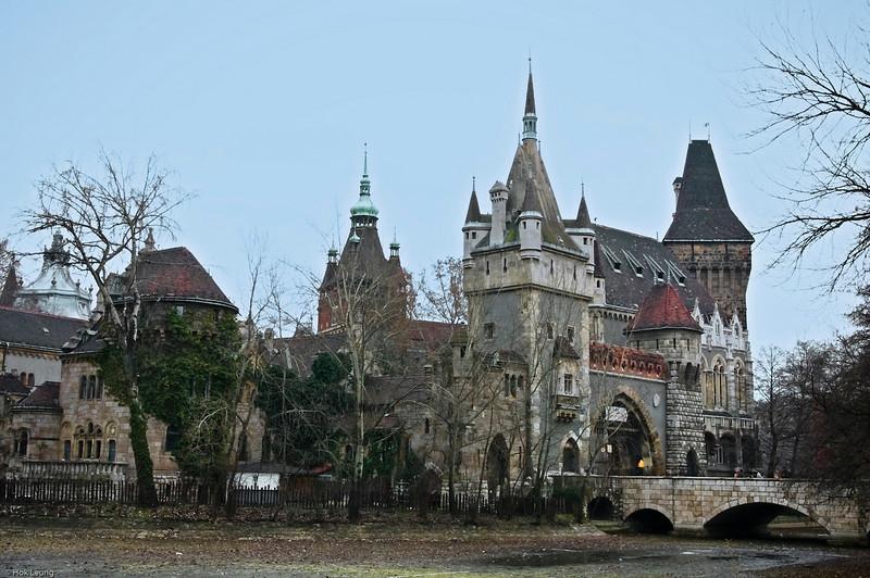 Vajdahunyad Castle (Vajdahunyad Vára)