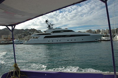 Now thats what you call a nice private yacht.