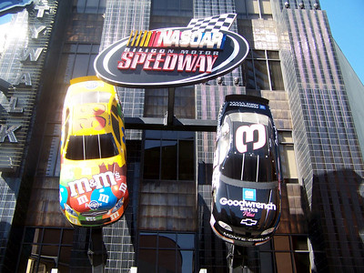 Saturday, February 11th -- We hit Universal to take advantage of their more economical sites, the free CityWalk.  The NASCAR place.