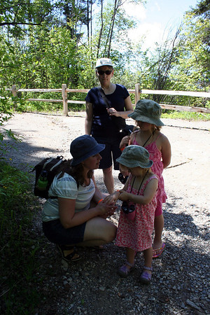 Lorinda reminding the girls of the rules on our hike.  What to do & not to do as we were in Bear country.