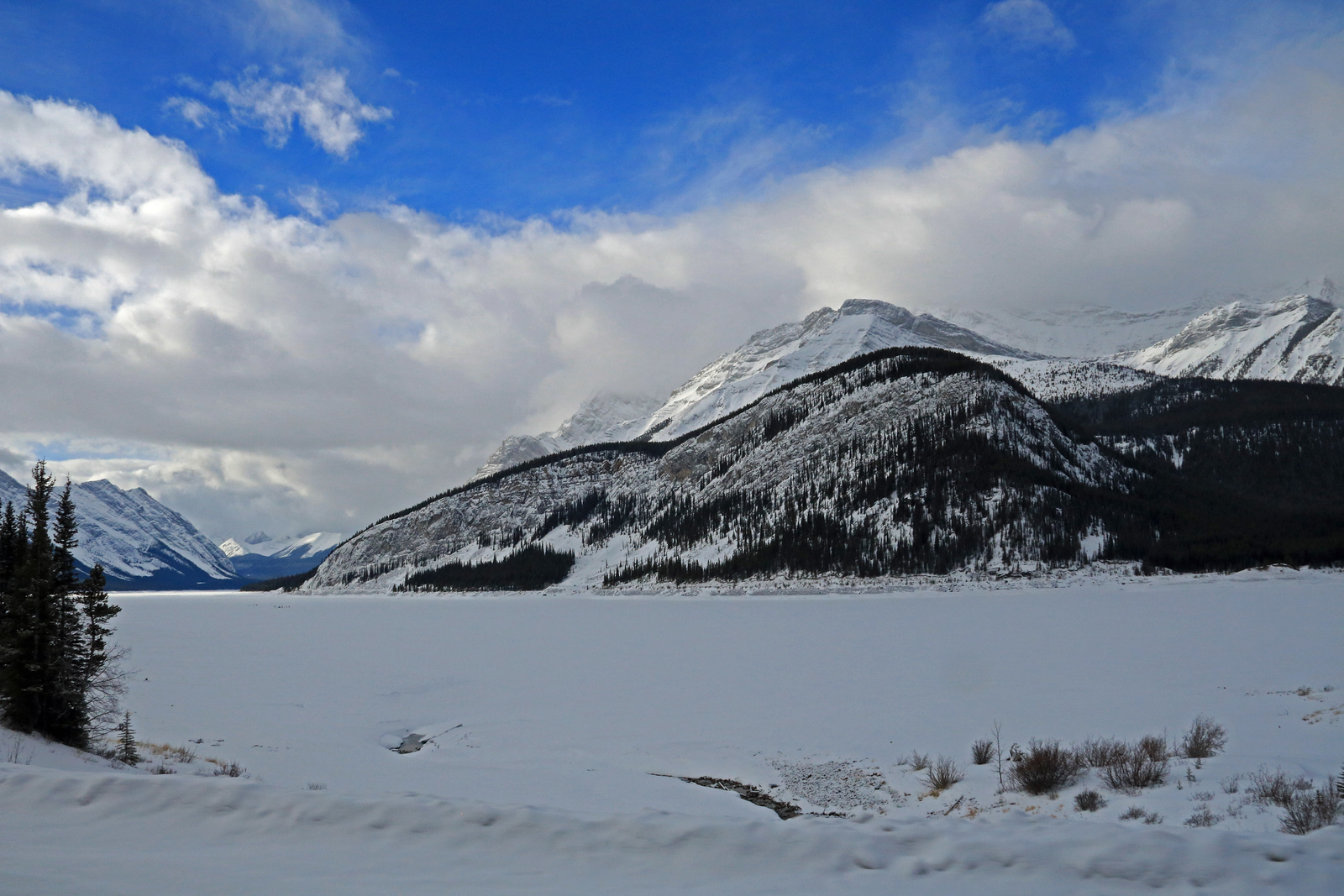 The Spray Lakes along the road on the way to Rummel Lake.