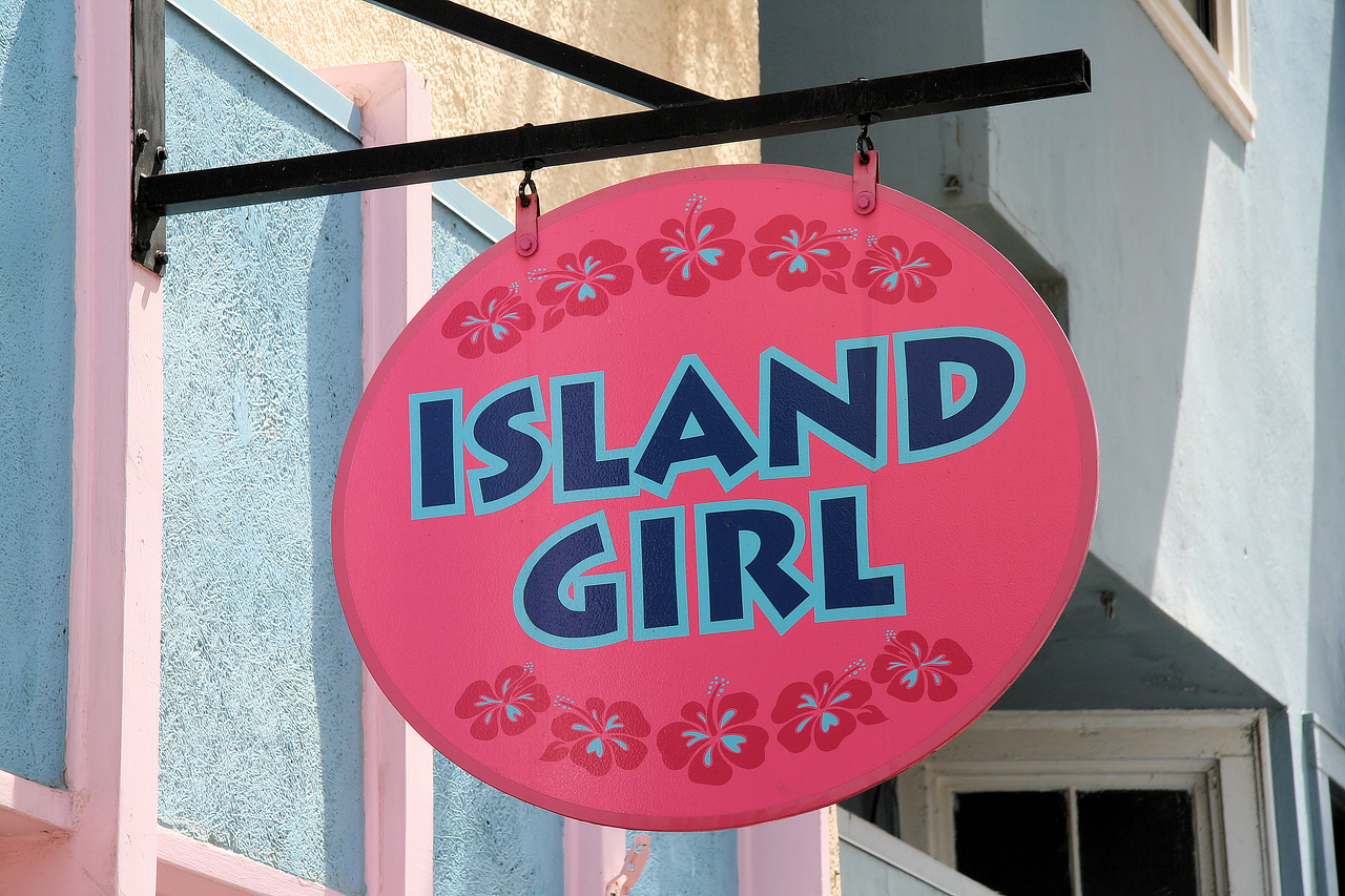 Island Girls Think Pink