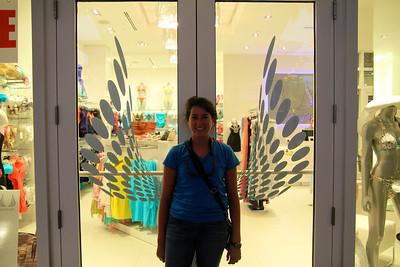 Eizabeth is an angel?