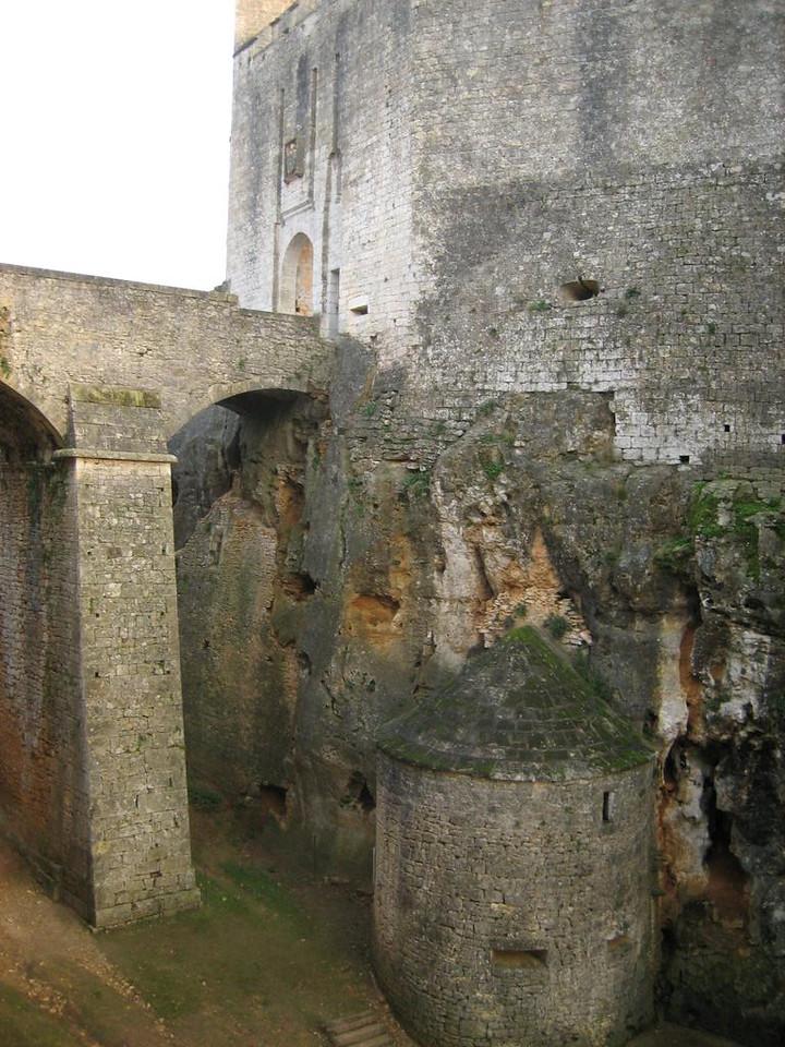 Chateau de Bonaguil, main entrance with giant bridge