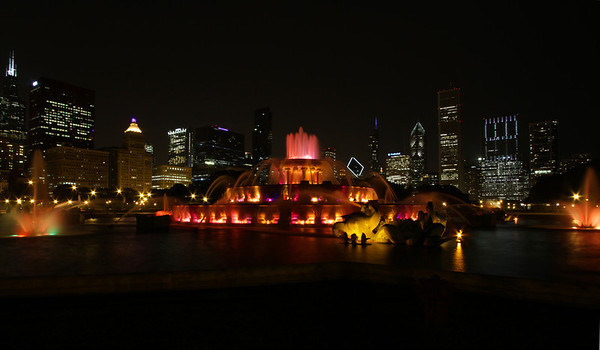 Buckingham Fountain and other night views