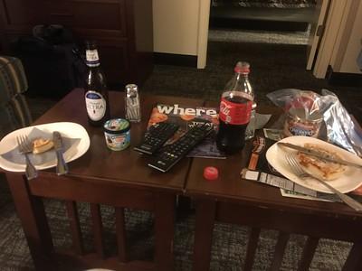"""Microwave Pizza for Dinner at """"Staybridge Inn"""" Orlando"""