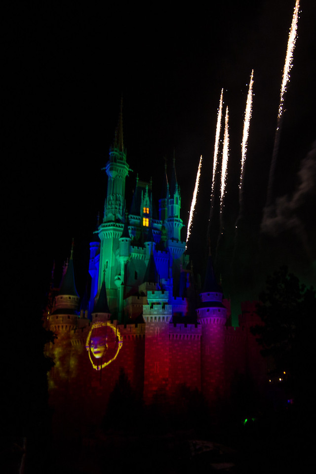 Magic kingdom Fireworks from a bad angle.