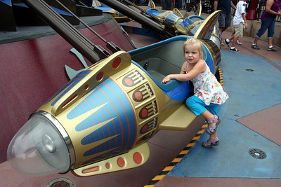 Makenna had fun on the Astro Orbitor.