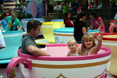 Good thing the Tea Cup Ride does not make Chris sick as the girls love this ride.