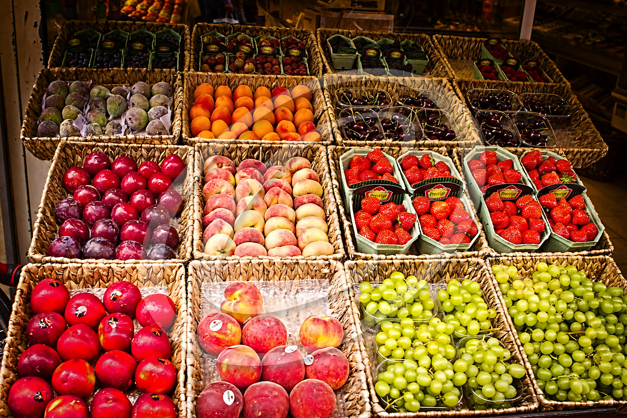 We didn't get to eat much fruit on our trip but when we toured Stockholm for the day, we saw that fruit did exist in Sweden. And it was gorgeous!