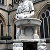 Bath - statue at Bath Abbey