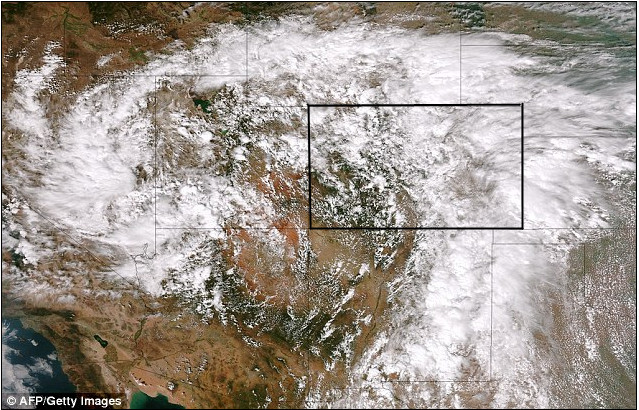 """A satellite image of the """"atmospheric river""""  <a href=""""https://en.wikipedia.org/wiki/Atmospheric_river"""">https://en.wikipedia.org/wiki/Atmospheric_river</a>) pumping water from the south onto the Colorado Front Range - from <a href=""""http://www.dailymail.co.uk/news/article-2420244/Colorado-floods-Wall-water-hits-Boulder-floods-continue-fourth-day.html"""">http://www.dailymail.co.uk/news/article-2420244/Colorado-floods-Wall-water-hits-Boulder-floods-continue-fourth-day.html</a>"""