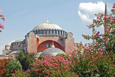 Haghia Sophia built between 532 and 537 (Ottomans added 4 minarets, 2 seen at right)