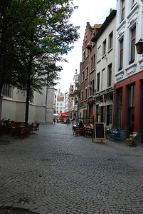 Passage to the market square.