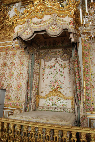 The royal bed.