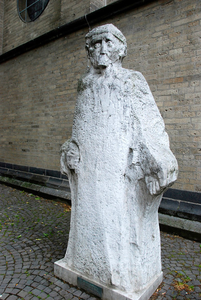 On the way to finding the Alte Markt: Someone who's a bit worn?