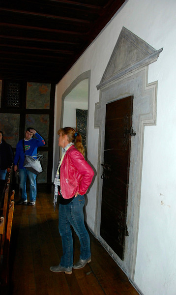 See that door behind the tour guide? That's the door to the bathroom. How'd you like to be eating at the table and have someone get up and go in there?
