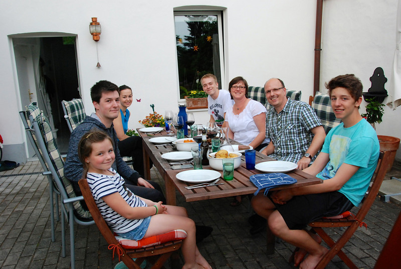 Last night: family dinner at Becky's. Clockwise from left: Emma, Max, Guilia, Jeremy, Becky, Frank, Joshua.