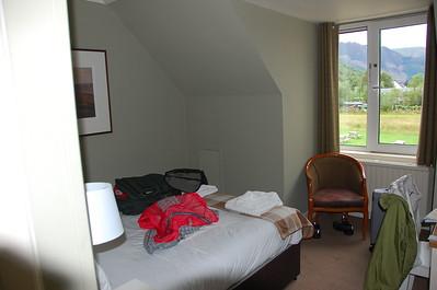 Glencoe Inn Hotel room