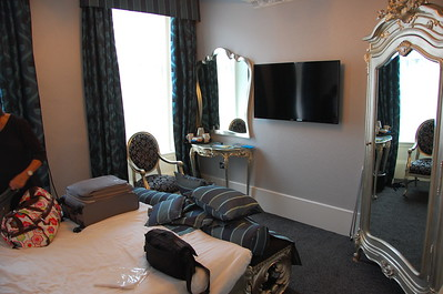 Glascow hotel room