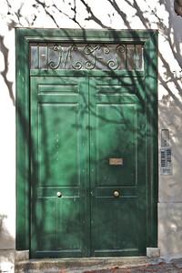 A door in Montmartre
